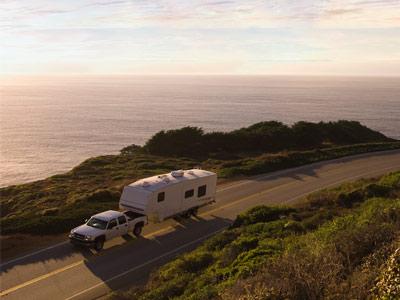 ute-caravan-ocean-road
